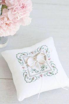 Rustic Ring Pillow Wedding ring pillow Ring bearer pillow alternative Rattan heart for wedding rings Wedding Accessory