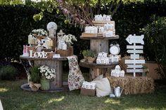 Risultati immagini per allestimento tavoli matrimonio country