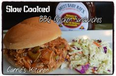 Super Simple Barbecue Chicken Sandwiches in the Slow Cooker Ingredients: 1 lb Boneless Skinless Chicken Breast 1 Bottle of your favorite BBQ sauce (I. Slow Cooker Huhn, Slow Cooker Chicken, Slow Cooker Recipes, Crockpot Recipes, Chicken Recipes, Cooking Recipes, Healthy Recipes, Slow Cooking, Bbq Chicken Sandwich