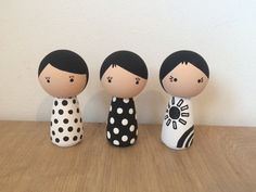 Kokeshi Peg Set Monochrome Range by MyPegFriends on Etsy Wood Peg Dolls, Clothespin Dolls, Wooden People, Kokeshi Dolls, Wooden Pegs, Waldorf Dolls, Clothes Pegs, Diy Keychain, Craft Stick Crafts