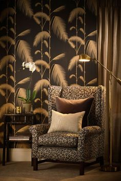 Cole & Son - New Contemporary - Palm Leaves - Black & Gold