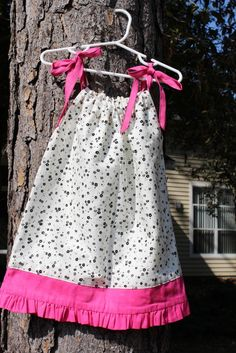 Crafty Gemini | Ruffle Pillow Case Dress PDF Pattern | ://craftygemini. & How to Make a Pillowcase Dress - A Pinch of Joy | Stuff To Do ... pillowsntoast.com