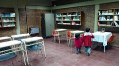 En el aula de la 138, en Mascasín, estudian 16 chicos de distintas edades ( Foto de Juan Brodersen)