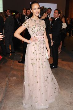Celebrities in Valentino Gowns Jessica Alba