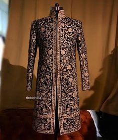 Sherwani For Men Wedding, Wedding Men, Wedding Suits, Indian Wedding Clothes For Men, Man Dress Design, Indian Groom Dress, Indian Men Fashion, Mens Fashion, Achkan