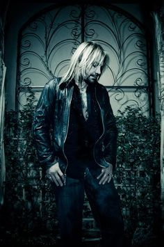 Nice pic of Vince - one of my long standing crushes #motley crue
