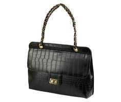 geanta neagra stil casual Chanel, Shoulder Bag, Classic, Casual, Bags, Fashion, Purses, Moda, Fashion Styles