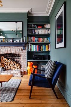 Farrow And Ball Living Room, Living Room Green, Green Rooms, New Living Room, Living Room Interior, Home And Living, Living Room Decor, Victorian Terrace Interior, Victorian House Interiors