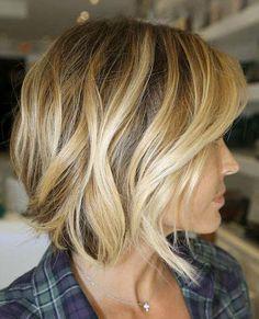Melena rubia y suelta. ¿Cuál te gusta más? #moda #pelo #estilo