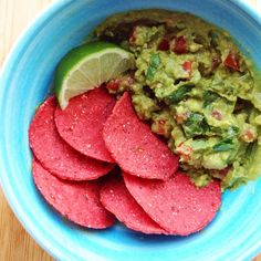 @thebetterchip beet corn chips + guac to go with my tacos. (Reminds me of Christmas) ❤️❤️ #vegan #veganfoodshare #vegansofig #thebetterchip