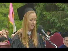 Lisa Kudrow's amazing Commencement speech 2010.