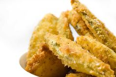 Recipe for Deep Fried Pickles. I made these tonight for Shawn and they were amazing! I used garlic pickle chips.