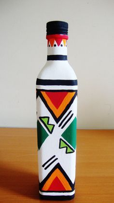 African Print Inspired Green Diamond Hand Painted Bottle – ON SALE African Print Inspired Green Diamond Hand Painted Bottle – … Pottery Painting Designs, Glass Painting Designs, Painted Glass Bottles, Plastic Bottle Crafts, Decorated Bottles, Wine Bottle Art, Wine Bottle Crafts, Art N Craft, Bottle Painting