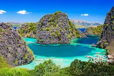 大小合わせて50あまりもの無人島が浮かぶエルニド/フィリピン