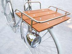 Chrome Velo Orange Porteur Rack with Wood Slats added on DIY Fixie Vintage, Vintage Bicycles, Women's Cycling, Cycling Tips, Bicicletas Raleigh, Velo Retro, Velo Cargo, Bike Mtb, Bicycle Basket