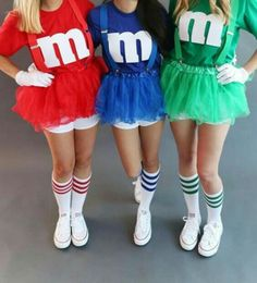 M & M's - Christmas Deesserts M&ms Halloween Costume, Halloween Tumblr Costumes, Three Person Halloween Costumes, Halloween Costumes For Teens Girls, Best Friend Halloween Costumes, M&m Costume Diy, Costume Ideas, Halloween Recipe, Women Halloween