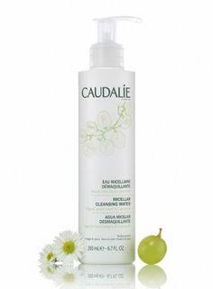 Caudalie Micellar Cleansing Water (400ml). Sehr angenehmer, leichter Duft. Früher in durchsichtiger, grün getönter Flasche angeboten.