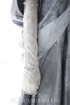 JEREMY LAING, AW11: the texture on the knit fabric.