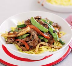 Beef and black bean stir-fry - Healthy Food Guide Healthy High Protein Meals, Healthy Stir Fry, High Protein Recipes, Healthy Baking, Healthy Food, Steamed Vegetables, Mixed Vegetables, Healthy Chinese Recipes, Healthy Recipes