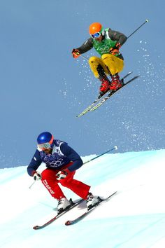 John Teller of the United States leads from Daniel Bohnacker of Germany during the Freestyle Skiing Men's Ski Cross Finals on day 13 of the 2014 Sochi Winter Olympic at Rosa Khutor Extreme Park. Get premium, high resolution news photos at Getty Images Snowboarding Videos, Winter Olympics 2014, Freestyle Skiing, Ski Sport, Mens Skis, Ski Jumping, Alpine Skiing, High Jump, Sports Training