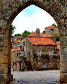 Sortelha: traditional village with its stone houses - PORTUGAL