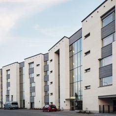 Kivikonkaari, Helsinki. Julkisivuverhous Equitone Tectiva -julkisivulevyillä. Helsinki, Multi Story Building