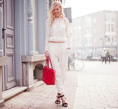 Lace & Pearls - Get this look: https://www.lookmazing.com/images/view/17917?shrid=46_pin