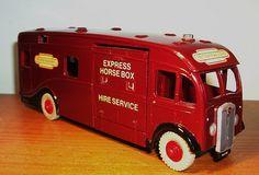 Dinky Toys Maudsley Horse box