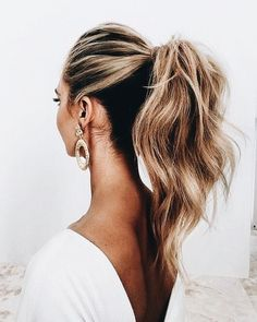 My ponies never look like this. Beautiful ponytail