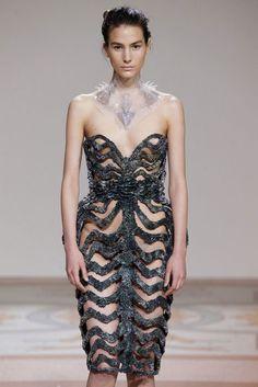 Iris Van Herpen - magnetic dresses - dezeen.com