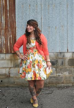 Coral and floral. Awesome outfit.