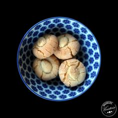 Jednoduchý recept na skvělé makronky, na kterém není co zkazit. Prasklinky jsou tady dokonce povinné! Vegetables, Food, Essen, Vegetable Recipes, Meals, Yemek, Veggies, Eten
