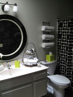 Thinking about a black & white bathroom....