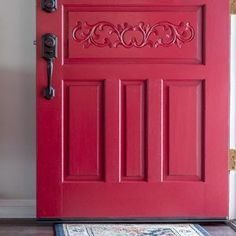 How to paint a front door the easy and quick way. A step by step tutorial and supplies list to paint a door without removing it from the hinges. Easy Small Wood Projects, Scrap Wood Projects, Painted Exterior Doors, Painted Front Doors, Remove Paint From Metal, Frosted Glass Spray, Drop Cloth Projects, Paint Stripper, Front Door Paint Colors