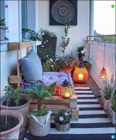 30 Stylish Apartment Balcony Decorating Ideas On A Budget 30 Stylish Apartment B… - Balkon Dekoration Design Balcon, Balkon Design, Apartment Balcony Decorating, Apartment Balconies, Apartment Layout, Apartment Design, Cute Dorm Rooms, Cool Rooms, Retro Home Decor