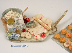 Making strawberry scones by linsminis,