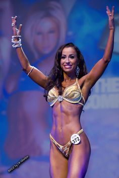 Natalia Muntean - WBFF Fitness Model World Champions secret on how to command the stage!