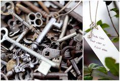 De sleutel tot een gelukkig huwelijk! Laat je gasten hun wens aan de sleutel vastknopen.