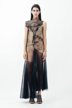 3D Christopher Kane - lasercut or knit in relation to body and silhouette
