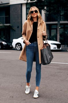 Sharing the essential jackets you need for fall today on Fashion Jackson with tons of outfit… Winter Fashion Outfits, Look Fashion, Trendy Outfits, Fall Outfits, Autumn Fashion, Cute Outfits, Cute Sneaker Outfits, Cute Travel Outfits, Winter Coat Outfits