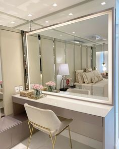 Clean and timeless room with wonderful dressing table and contour lighting in . Luxury Bedroom Design, Bedroom Closet Design, Luxury Rooms, Luxurious Bedrooms, Cute Bedroom Ideas, Room Ideas Bedroom, Teen Room Decor, Rooms Home Decor, Small Dressing Rooms