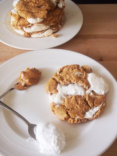 Fluffernutter Cookies 1 c creamy peanut butter, 1 c granulated sugar,1 tsp baking soda,1 large egg,½ c marshmallow fluff  Preheat oven to 350. Line a baking sheet w/ parchment. In a med bowl, combine peanut butter, sugar, baking soda, & egg.  Take golf ball size of dough & spread out flat. Place a heaping T of fluff in center & cover with dough. Bake about 12 mins til barely golden brown & start to set. Serve warm or cool. Cookies store sealed  5 days. Frozen  3 mos defrost 1hr /micro 30 sec