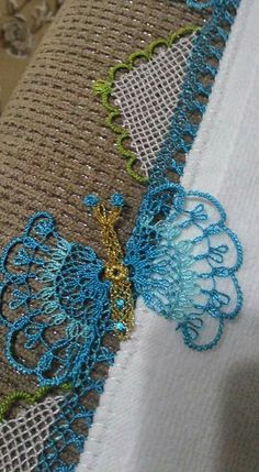 This Pin was discovered by Tül Point Lace, Needle Lace, Filet Crochet, Beaded Jewelry, Jewellery, Fiber Art, Needlepoint, Tatting, Knots
