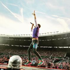 Coldplay News: Photo Coldplay New, Coldplay Wallpaper, Chris Martin Coldplay, Martin Short, Look At The Stars, Pop Singers, Cool Bands, The Beatles, Music Videos