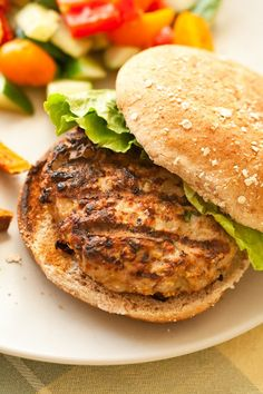 These fiery hot Jerk Turkey Burgers serve up all the deliciousness of Jamaican jerk chicken, but with a fraction of the effort. Turkey Burger Recipes, Turkey Burgers, Dukan Diet Recipes, Cooking Recipes, Jerk Turkey, Cooking Oatmeal, Cook N, Burger And Fries, Jerk Chicken