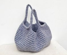 Handy small crochet handbag also for small messages of felted
