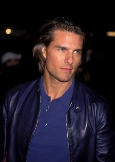 Tom Cruise gave a sexy glance at the Magnolia premiere in LA in December 1999. NUMBER 1 FOR EVER!!!!!!!!!!
