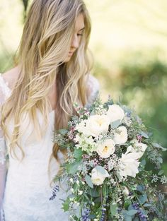 Photography : Andrew Mark Photography Read More on SMP: http://www.stylemepretty.com/2016/02/22/intimate-rustic-wedding-in-the-woods/