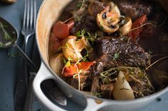 Fransk gryterett med sitronpotetmos | Coop Mega Pot Roast, Danish, Bacon, Beef, Ethnic Recipes, Food, Carne Asada, Meat, Roast Beef