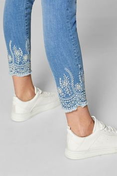 These jeans have the makings of your new favourite summer piece with cropped leg, embroidered hems and cool, vintage finish! These jeans have the makings of your new favourite summer piece with cropped leg, embroidered hems and cool, vintage finish! Embroidery On Clothes, Embroidered Clothes, Embroidery Fashion, Diy Embroidery, Jeans With Embroidery, Diy Embroidered Jeans, Diy Jeans, Painted Jeans, Painted Clothes